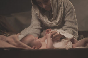 Linger a little longer at the manger
